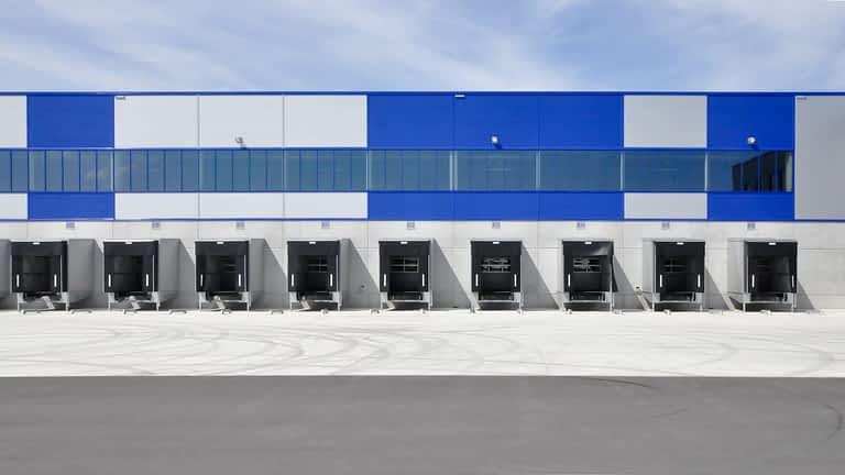 Hala produkcyjno magazynowa Rhenus Logistics Bolesławiec projektowana przez biuro 5ha w Łodzi