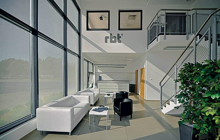 Rbt zgierz - producent kształtowników zimnogiętych - biuro i hala przemysłowa budowana przez rexbud budownictwo