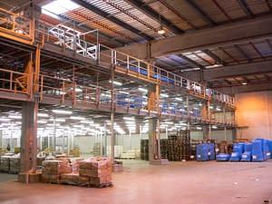 Wnętrze centrum logistyczno-magazynowego Geant w Strykowie