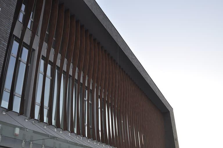 Generalny Wykonawca hal handlowych Rex-bud budownictwo - centrum handlowe i obiekt biurowy CK Kowale