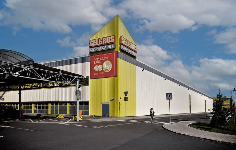 Generalny wykonawca hal handlowych w Polsce - Rex-bud budownictwo wybudował centrum handlowe selgros Łódź