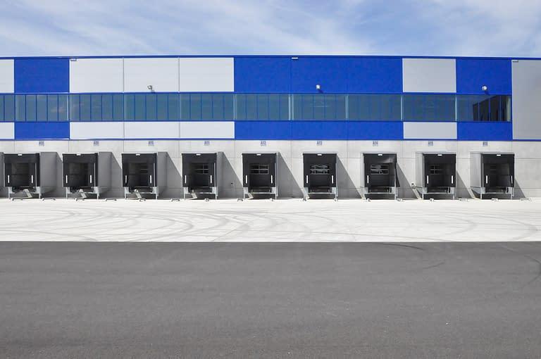 Hala wielkopowierzchniowa rhenus logistics w Bolesławcu budowana w formule zaprojektuj i wybuduj przez Generalnego Wykonawcę Rexbud